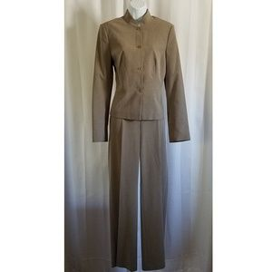 Stylish 2-piece Pant Suit by Caslon